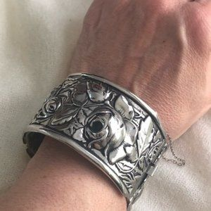 Gorgeous Vintage Stainless Rose Pattern Bracelet
